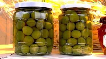 olive-gruen-glas